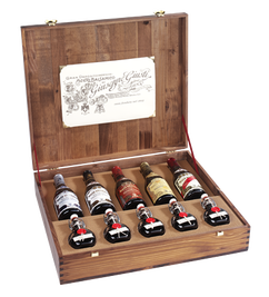 Luxury Wooden Gift Box with Balsamic Vinegars