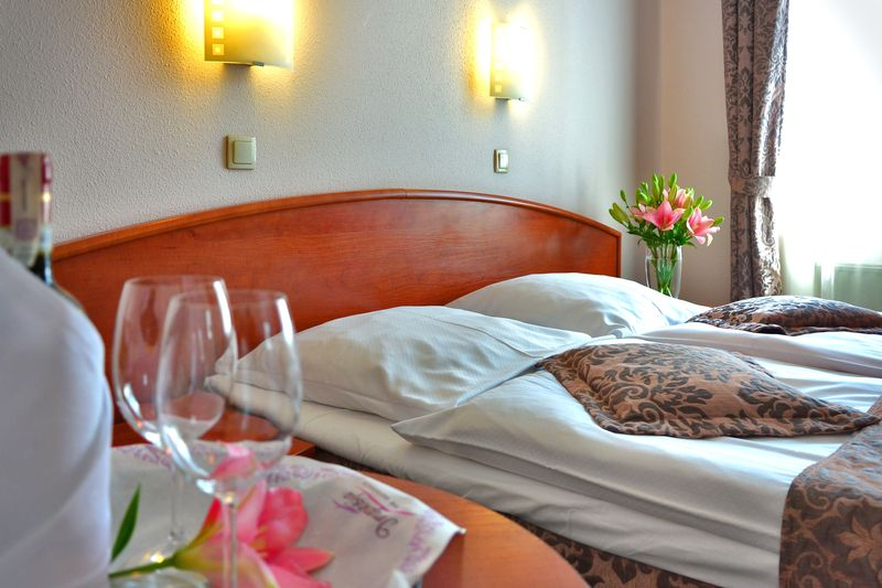 accomodation-bed-hotel-97083